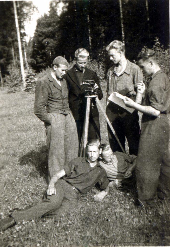 1946 Järvseljal geodeesia praktikumil